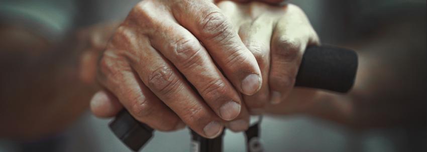 Placements pour seniors : pensez au risque de dépendance !